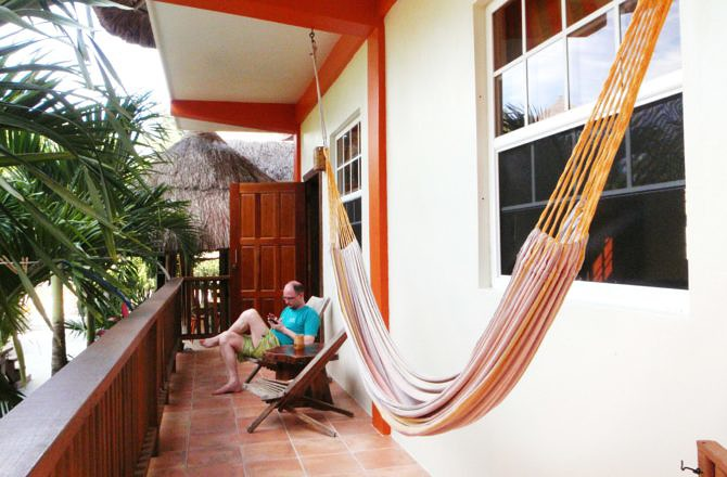 Staying at Oasi-Caye Caulker
